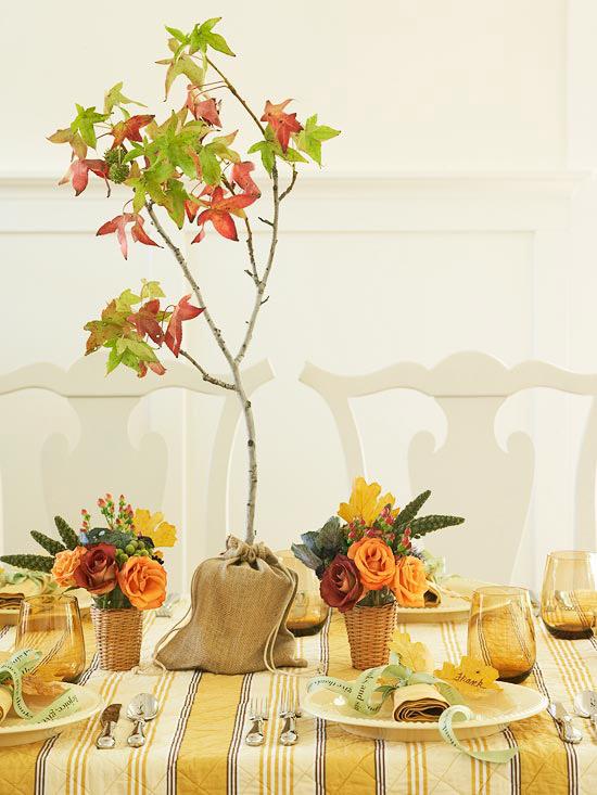 criativo centro de mesa com flores
